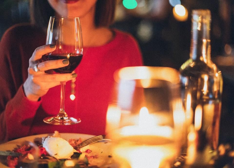 Los polifenoles del vino ayudan a la microflora