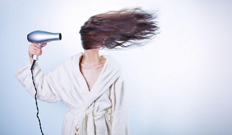 aplicar calor al cabello