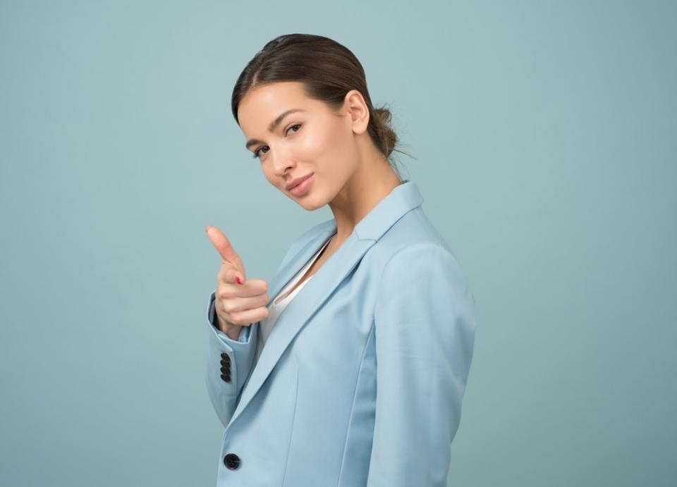 El traje como sinónimo de empoderamiento femenino es una pieza con mucha historia