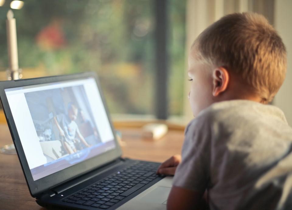 Con un buen uso de la tecnología en niños, estos podrán navegar y reducir los peligros de Internet