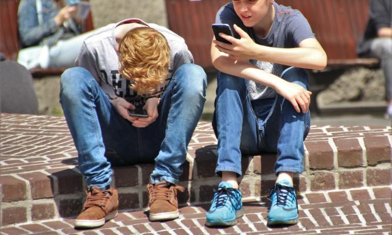 Descubre cómo fomentar el buen uso de la tecnología en niños