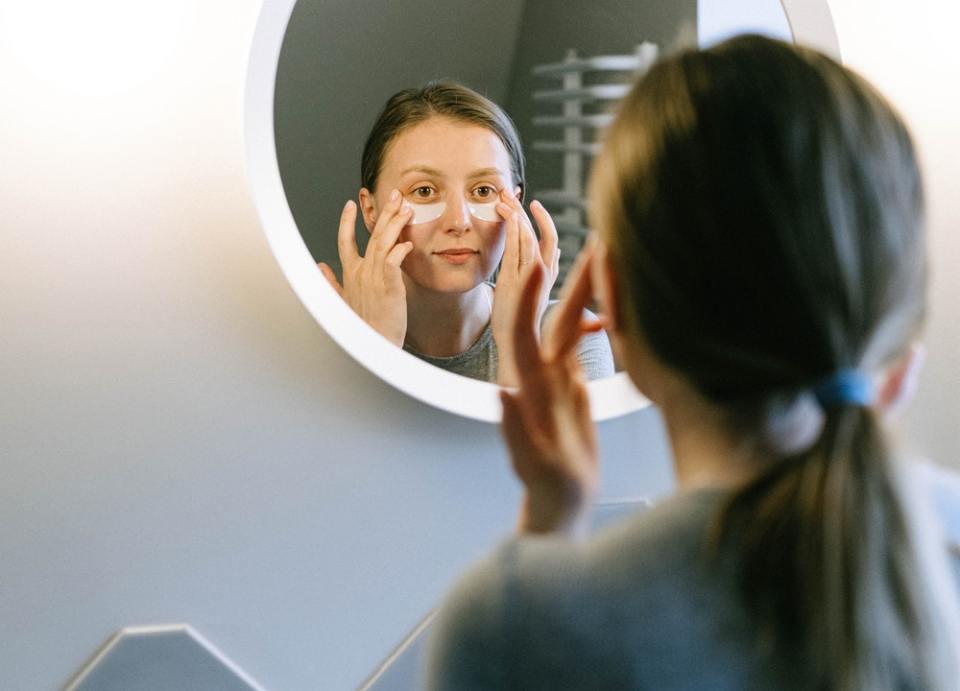 Para tener una piel resplandeciente en invierno debes seguir un ritual de belleza específico