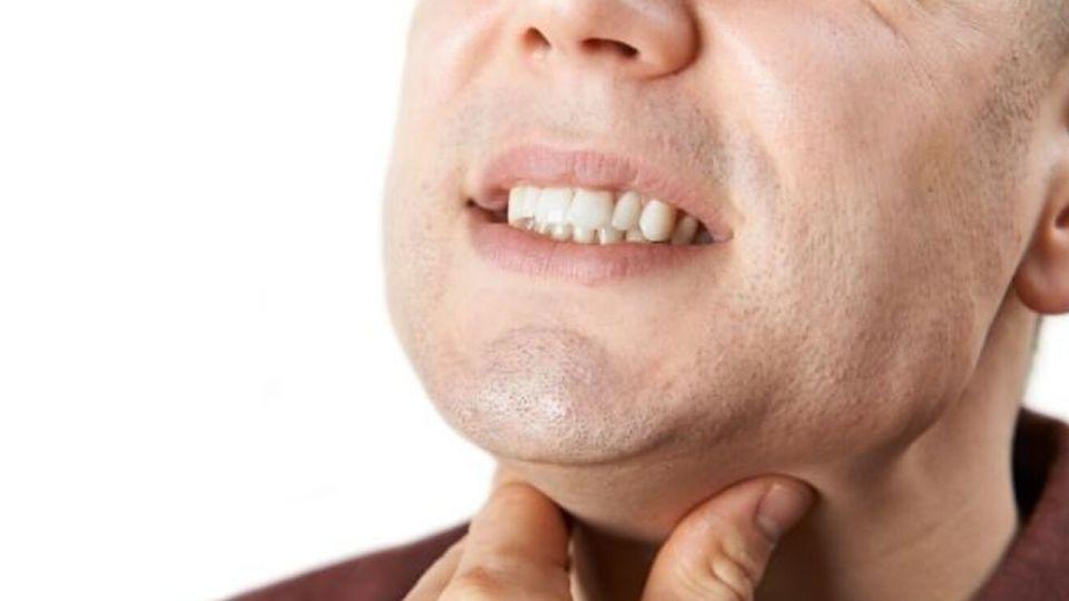 sensación de algo en la garganta