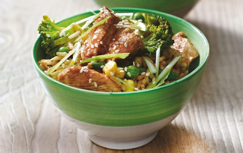 salteado de pollo y arroz con limón