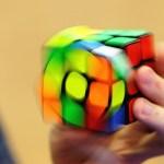 ¡Ver y no creer! Surcoreano arma cubo de Rubik en menos de 5 segundos y bate récord mundial