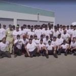 Policías de Dubái arrastran un avión de 300 toneladas y baten un récord Guinness