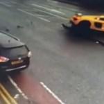 VÍDEO: Un Audi de 110.000 euros levanta por el aire a un auto tras chocar contra él