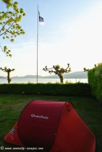 Camping au Lago Maggiore: emplacement les pieds dans l'eau