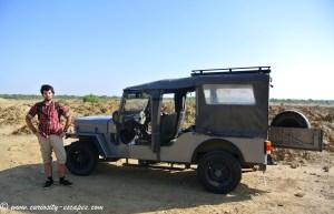 Jeep dans le désert du Rajasthan