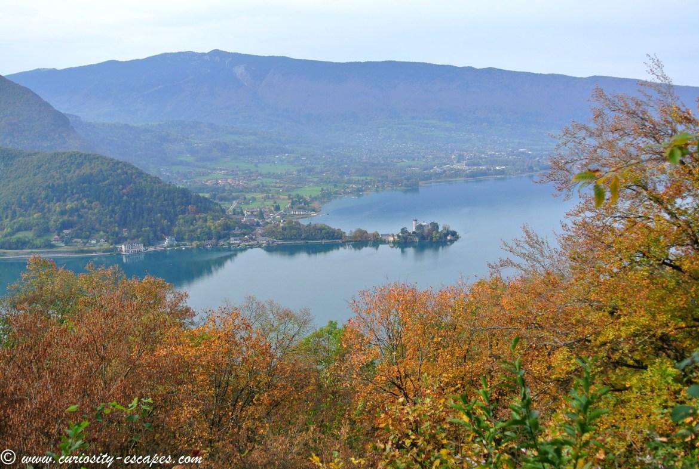 lac d'Annecy et Duingt vus d'en haut