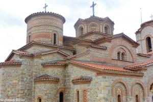 Les toits de l'église Sv Kliment de Plaošnik, lac Ohrid
