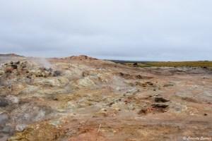 Couleurs ocre et vert dans la péninsule de Reykjanes