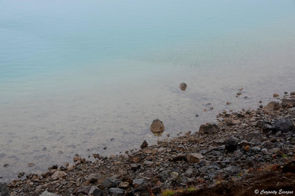 Eau bleu cristal du lac Graenavatn