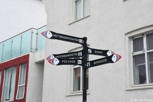 Panneaux de signalisation en forme de macareux