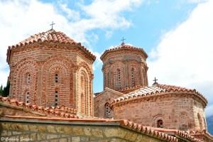 Dômes de monastère orthodoxe