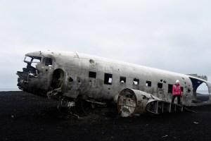 Randonnée à l'avion abandonné sur une plage islandaise