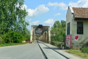 Pont à voie unique en Serbie