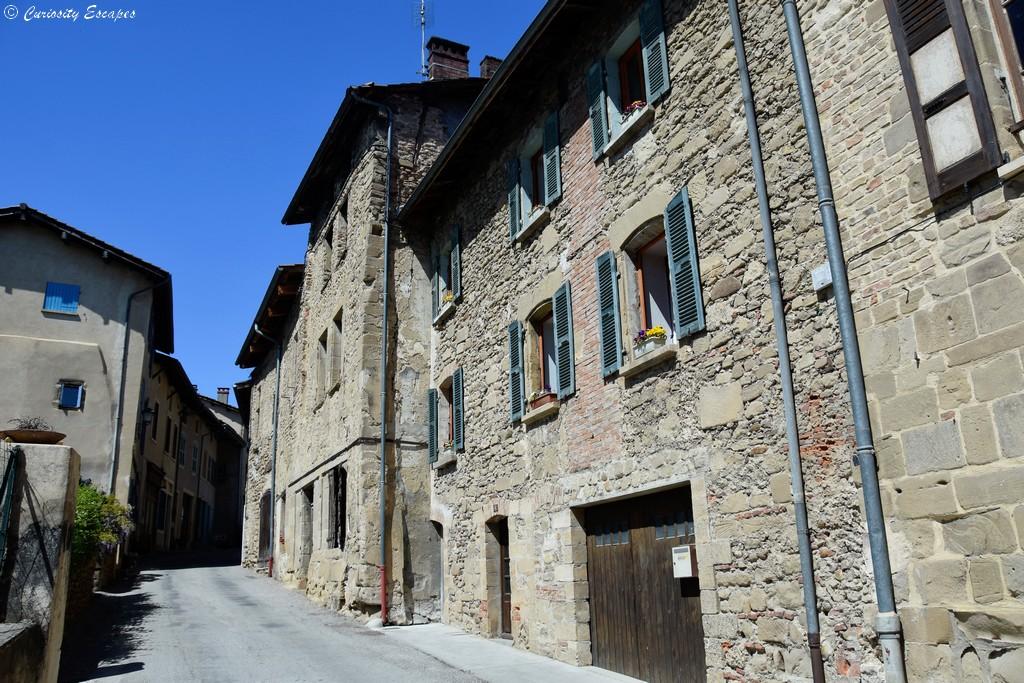 Maisons en pierres de Saint Antoine l'Abbaye