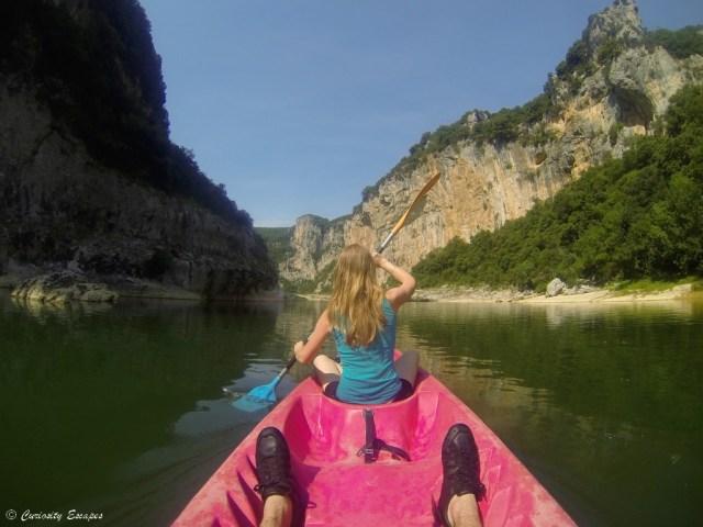 Descente Des Gorges De L Ardeche En Kayak Curiosity Escapes