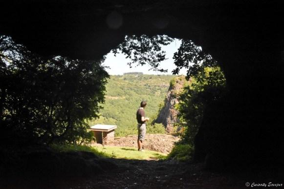 Habitats troglodytes en Ardèche