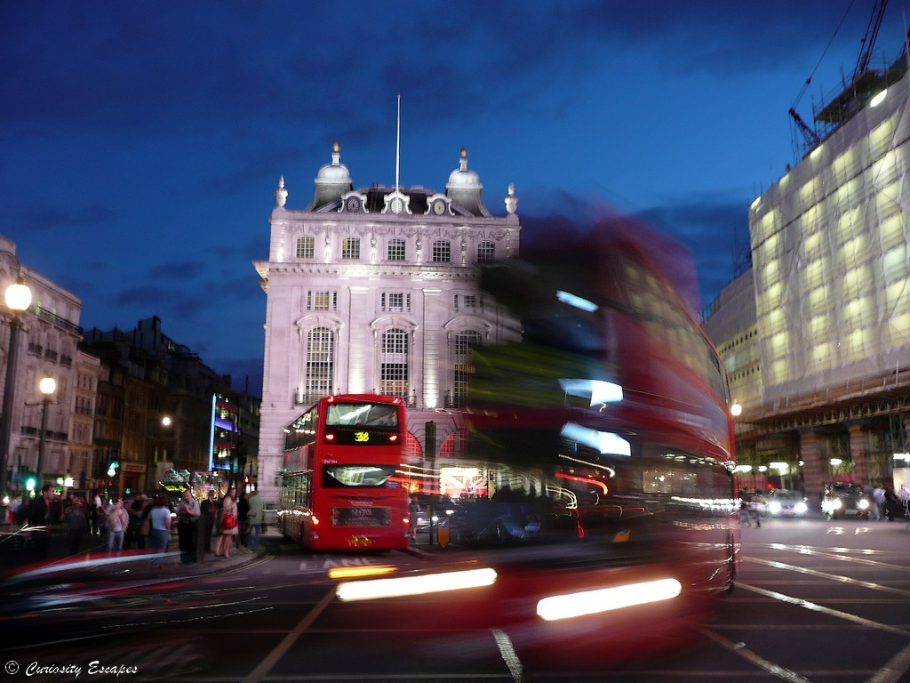 Picadilly Circus de nuit, Londres