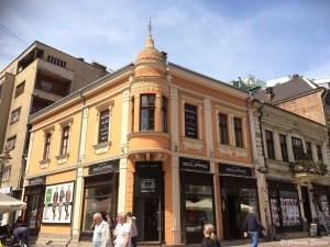 Centre ville de Nis au sud de la Serbie