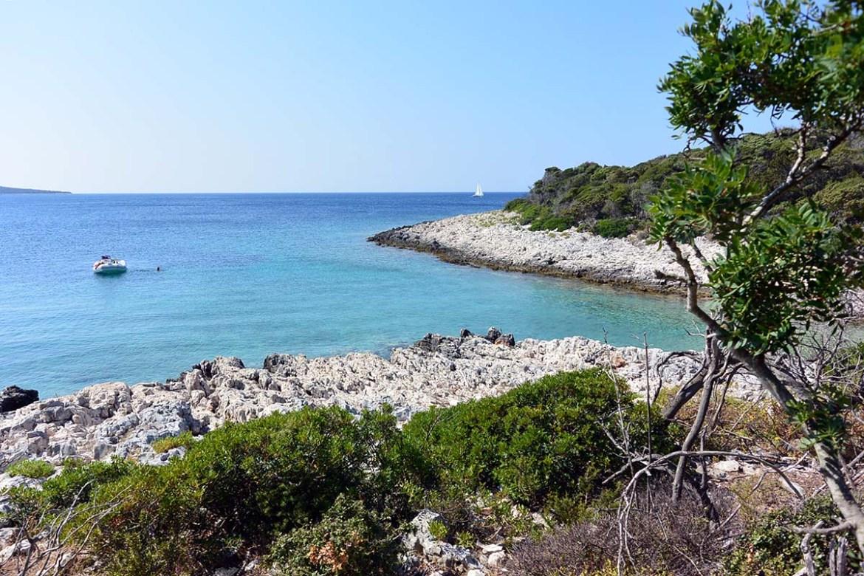 Crique de Pecina sur l'île de Losinj