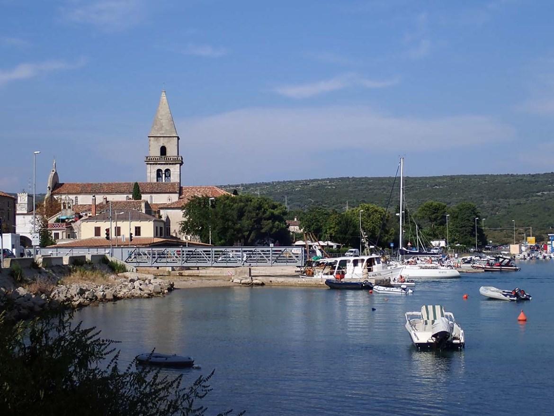 Pont ouvert à Osor pour le passage des bateaux