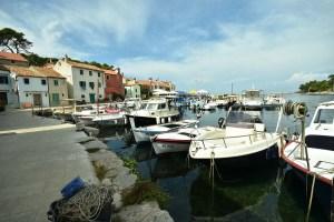 Port de Veli Losinj, île de Losinj en Croatie
