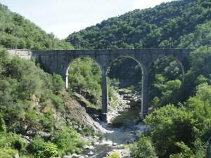 Viaduc dans les gorges du Doux, Ardèche
