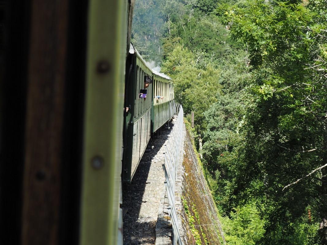 LeMastrou vu par la fenêtre, train de l'Ardèche