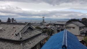 Les toits colorés de la ville d'Obama, Japon