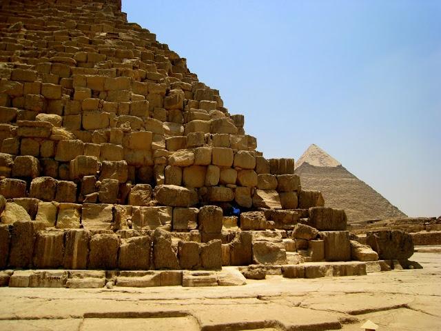 sakkara pyramid egypt
