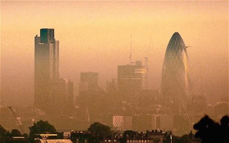 Exemplo de smog, na cidade de Londres