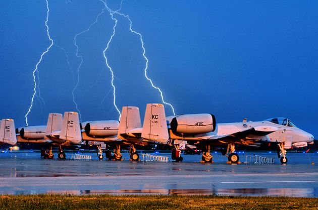 640px-303d_Fighter_Squadron_-_A-10_Thunderbolts[1]