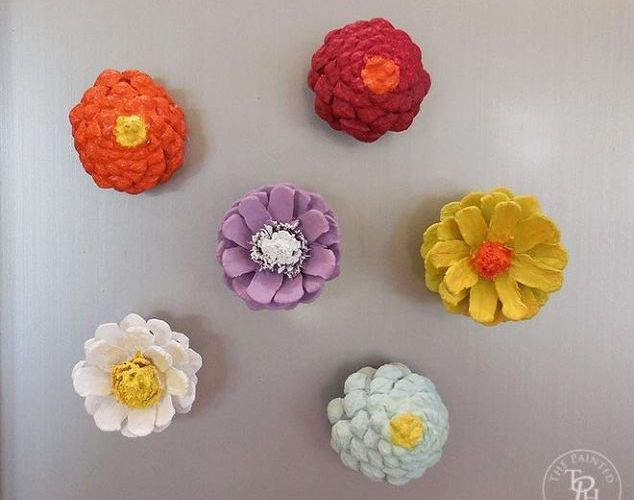 pine-cone-flower-refrigerator-magnets-crafts-how-to-repurposing-upcycling