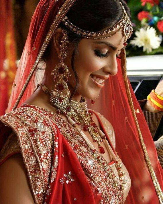 Genelia D'souza Bollywood Star Wedding Dress