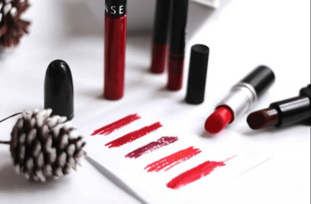 Red Lipstick on christmas