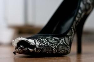 weimaraner-chewed-up-shoe