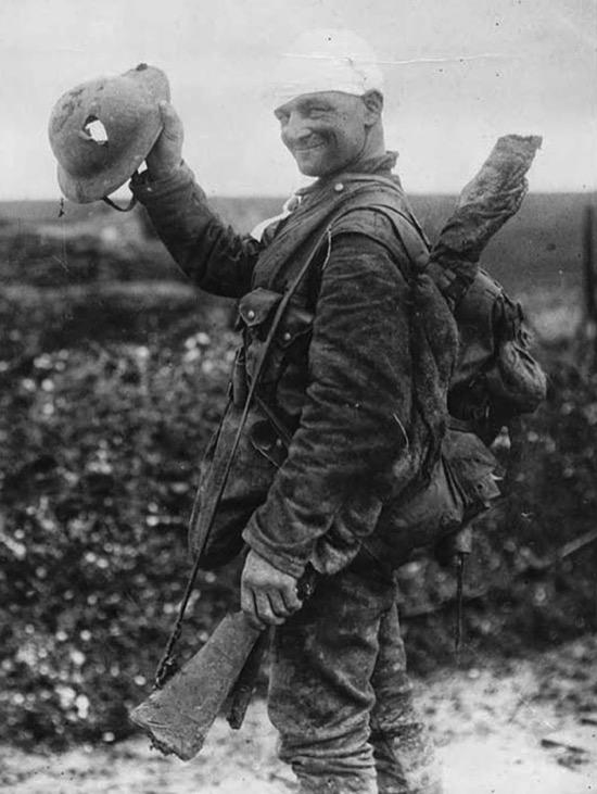 Ponte el casco, en la guerra y en la moto
