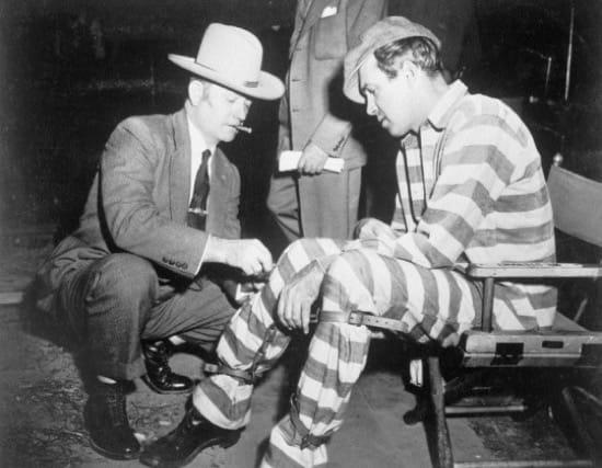 James Stewart y David Marshall Williams durante el rodaje de Carabina Williams