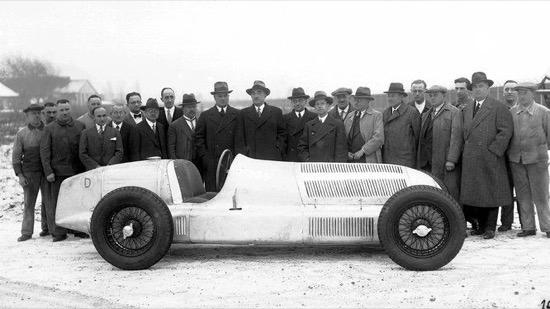 El origen de los Mercedes-Benz color plata, los Silver Arrows