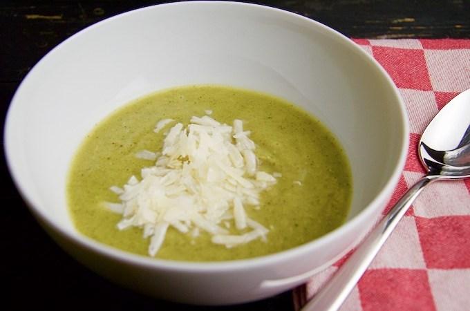 Recept Broccolisoep met parmezaan