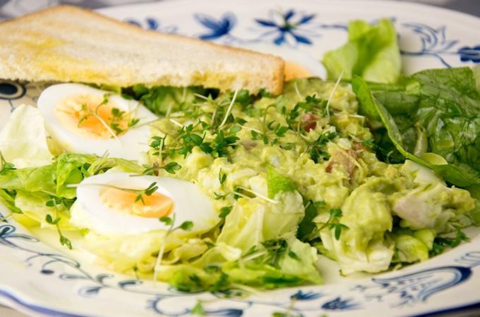 Recept salade met avocado en ei