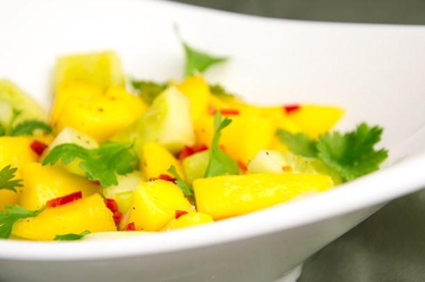 Salsa van mango, komkommer en rode peper