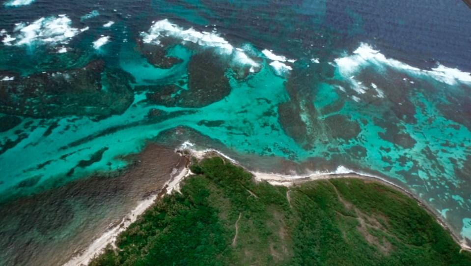 Martinique - ACF Aviation - survol sud de la martinique - fonds blancs - îlets du robert