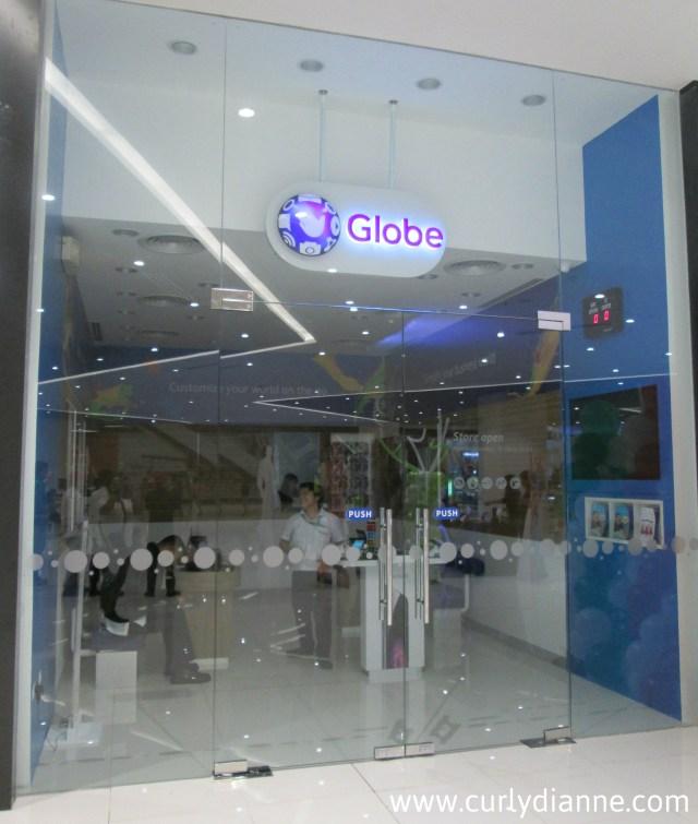 Globe Telecom at SM Light Cyberzone