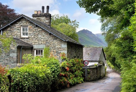 Idyllic England: The Cotswolds and Lake District