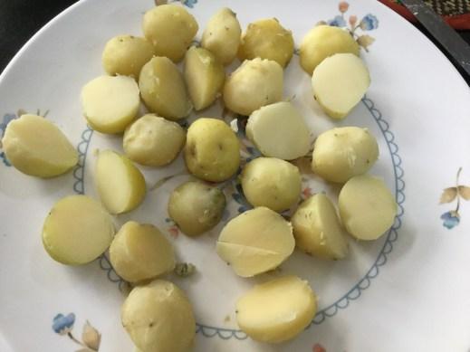 chopped-baby-potatos