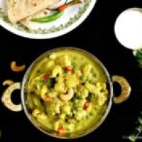 Shahi Gobi Kurma/Spicy Cauliflower Coconut Curry (vegan)